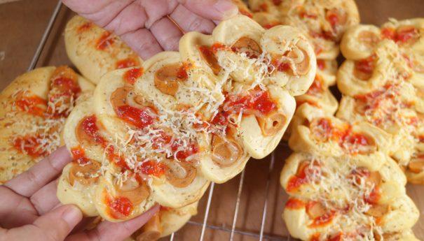 Roti Sosis Homemade Ala Bakery